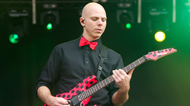 Stone Sour guitarist drops off tour to enter treatment center
